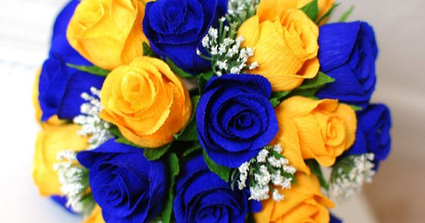 Dark Blue And Yellow Wedding: Yellow Roses With Baby's Breath=good But Wayyy Too Dark