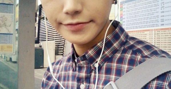 Pareja coreana chico ama novia pelirroja 8