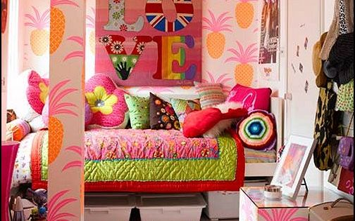 1970s teenage girl bedroom | hippie+bedroom+decorating+ideas-funky+retro+bedroom+decorating.jpg ...