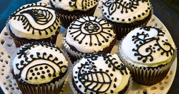 Mehndi Cake Toppers : Henna cupcakes cupcake queen hennas and cake