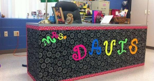 Teacher Desk Decor Idea 2