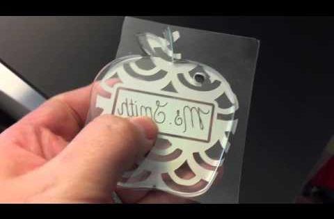 Vinylize It Acrylic Blanks For Keychains Vinyl Tutorial Silhouettetutorials Learnsilhouette Youtube Acrylic Keychains Acrylic Monogram Beaded Keychains