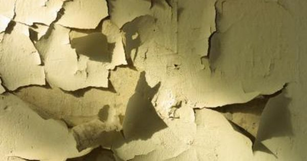 What Is The Easiest Way To Remove Old Paint From Plaster Walls Cleaning Painted Walls Peeling Paint Cracked Paint