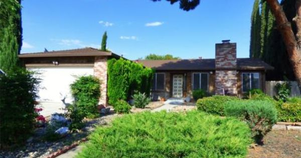Just Listed In Tracy Ca 930 Amaretto Dr Tracy California 95376 The Aguilera Real Estate Team 209 814 8256 Www Tracyrealestatet Real Estate One Story Homes Cozy Family Rooms