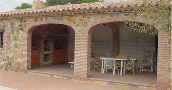 Ladrillo y piedra con tejado de teja barbacoas cocinas - Barbacoas de ladrillo ...