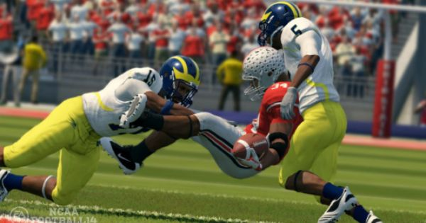 Ncaa Football 14 My Fluffy Two Minute Interview With Cover Star Denard Robinson Of Michigan Ncaa Football Football Denard Robinson