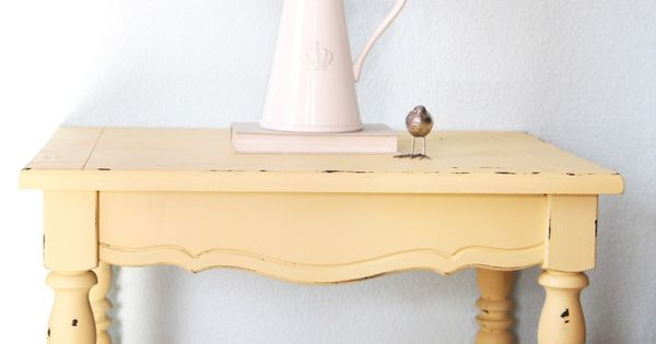 Easy distressed furniture technique and how to make chalk paint.