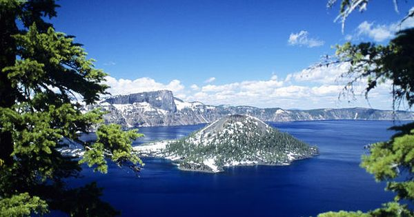 Crater Lake National Park, Crater Lake, Oregon.