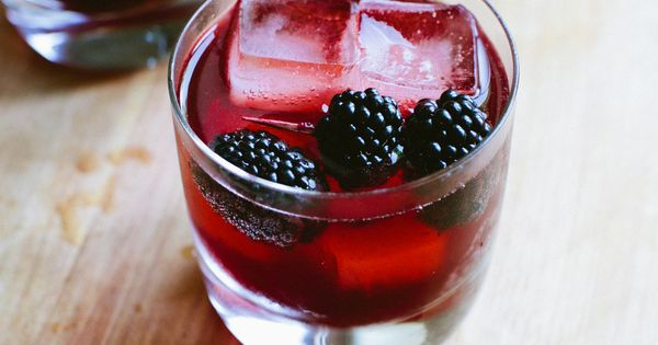 What I'm Drinking: Blackberry Gin and Tonics | Drinks, Vodka and ...