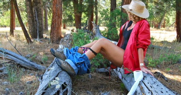 How To Pee In The Woods Oh My Goodness This Is So Funny