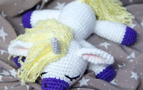 Sleeping unicorn pony - FREE crochet pattern Free ...