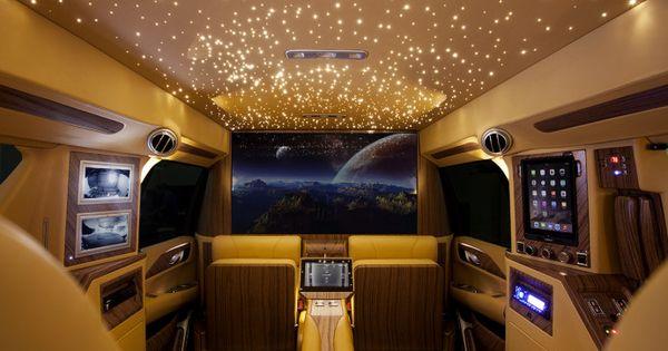 top 5 des voitures de luxe les plus demand es en mars voitures de luxe les voitures et luxe. Black Bedroom Furniture Sets. Home Design Ideas