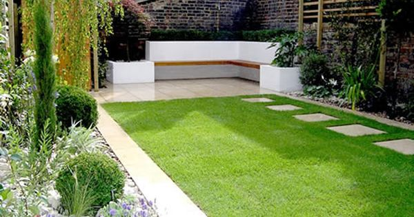 Small garden designs like the seating idea in the corner for Small corner garden designs