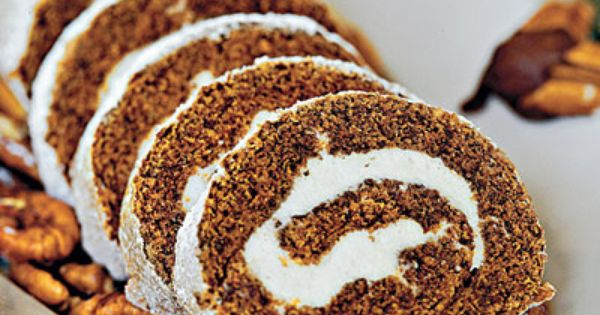 Pumpkin Roll | Impress your guests with a spiced pumpkin cake roll