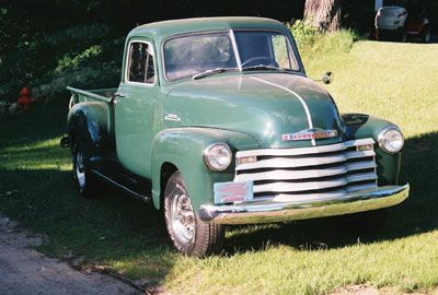 1953 3 4 Ton Chevrolet Pick Up Truck I Would Spray Some Clear Coat On That Thing And Drive It Chevy Trucks Vintage Trucks Trucks
