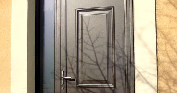 Vous recherchez une porte totalement sur mesure mêlant vitrages - pose d une porte d entree