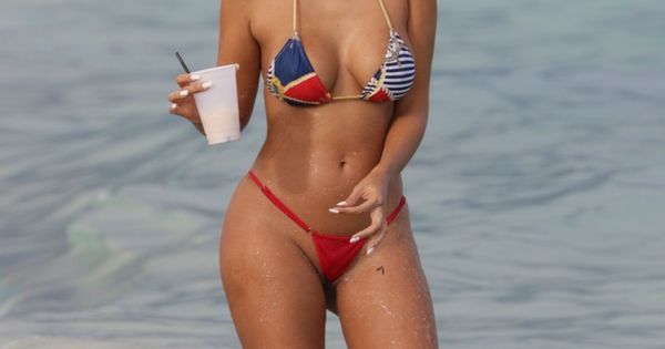 image Beach bikini girls sexy ass voyeur hd video