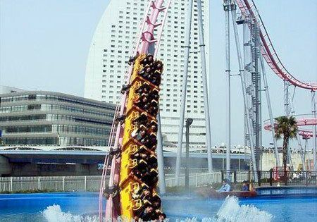 as much as i hate roller coasters this is sick... Underwater Rollercoaster in Japan bucket list places to see things to do