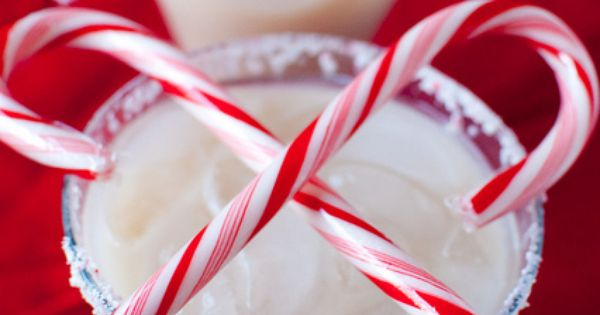 Peppermint White Russian _ Christmas Drink Holiday Entertaining Candy Cane Mocha Kahlua