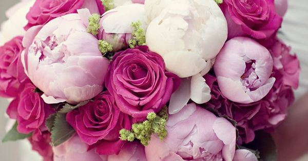 love mixed pink bouquets