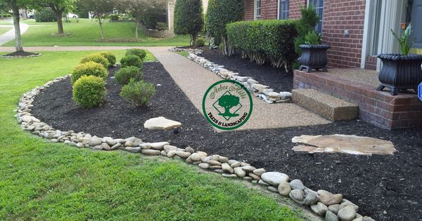 River Rock Vs Mulch With Images Mulch Landscaping