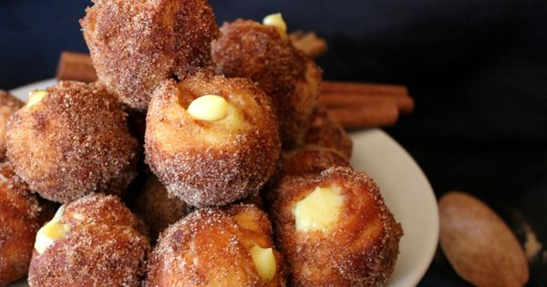 Snickerdoodle Poppers ~ easy, yummy treat made with of Pillsbury Grands biscuits,