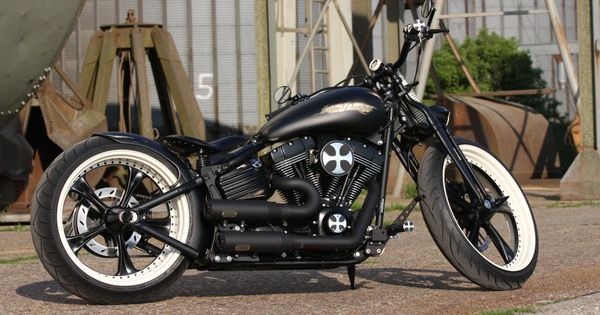 Harley-Davidson Softail Rocker >