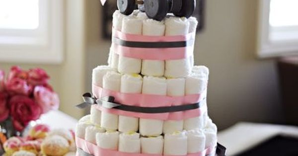 Diaper Cake (rolled). Love this Cake Stand babyshower