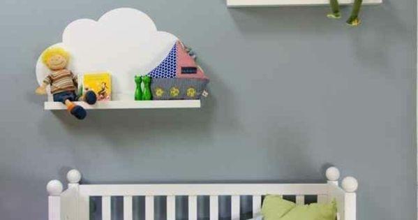 Tag re en bois blanc pour la chambre d 39 enfant lit d for Etagere murale chambre enfant