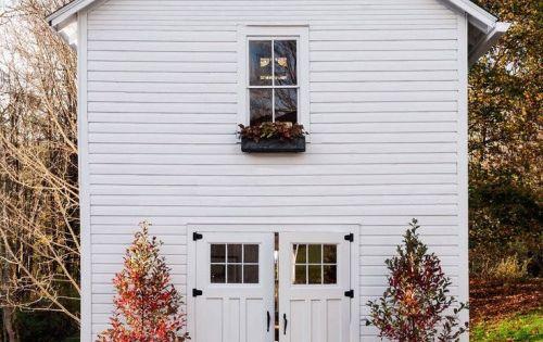 Ajouter quelques citrouilles devant la porte d 39 entr e et for Decoration porte d entree halloween