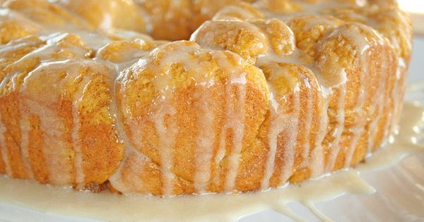 I must try this for the fall!!!!!!!!!!!!! Pumpkin Pull-Apart Monkey Bread with