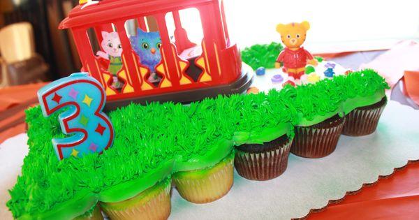 Daniel Tiger Inspired Cake Credits Cupcake Cake Wal