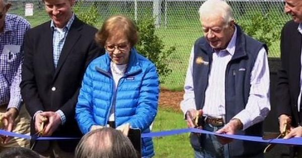 Jimmy Carter Powers Half Of His Hometown With Solar With Images Jimmy Carter Solar Solar Farm