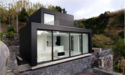 Casa ecologica con energia solar que emerge sobre el sol - Casas ecologicas en espana ...