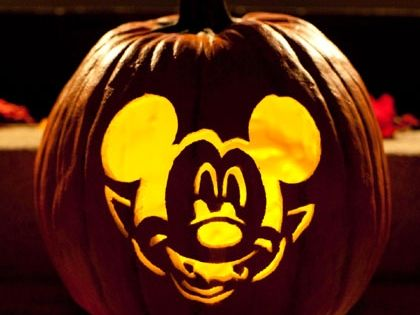 Vampire mickey pumpkin carving template disney mickey for Mickey mouse vampire pumpkin template