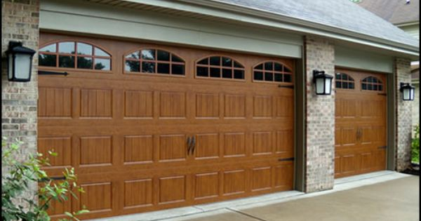 Garage Doors Chicago 101 Jpg 500 300 Door Repair Garage Doors Garage Door Repair Service