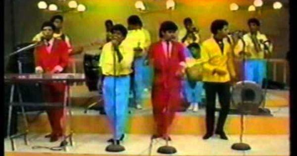 Bonny Cepeda Y Su Orquesta Buscando En Mi Coleccion De Videos Caseros Vhs Encontre Este Interesante Y Nostalgico Cepeda Republica Dominicana Videos Caseros