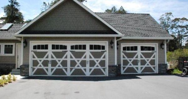 This Is A Wayne Dalton 9700 Lexington That Was Painted To Match The House Apartments Exterior Garage Doors Garage Door Design