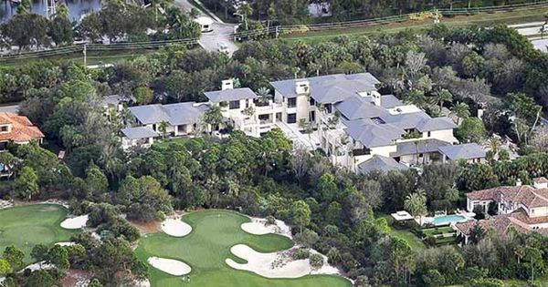 Michael jordan moves into new 28 000 square foot jupiter for Michael jordan real estate