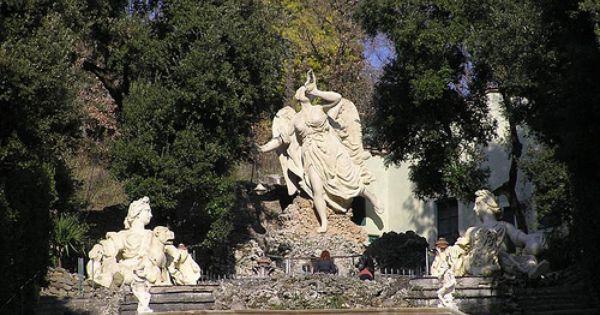 Statua Della Fama Storico Giardino Garzoni Collodi Pt