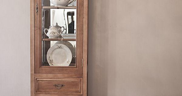 Vitrina clasica comedores pinterest crockery cabinet for Vitrina estilo industrial