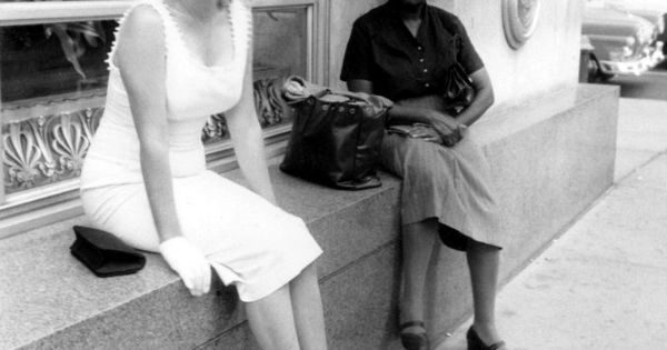 Marilyn Monroe in New York shopping with hubby Arthur Miller - July