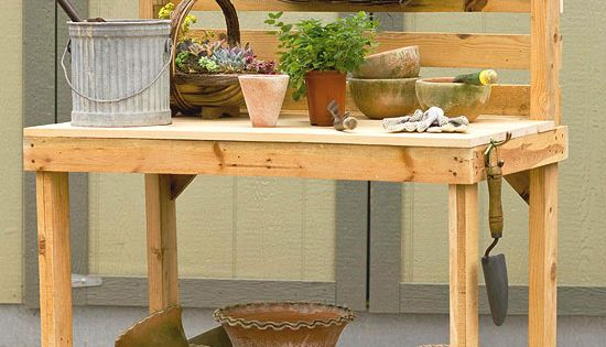 DIY Potting Bench out of wooden pallets. I just love these pallet ideas!