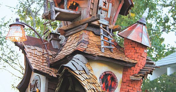 These creative, whimsical birdhouses will make you wish you were a bird  새집, 벽 ...