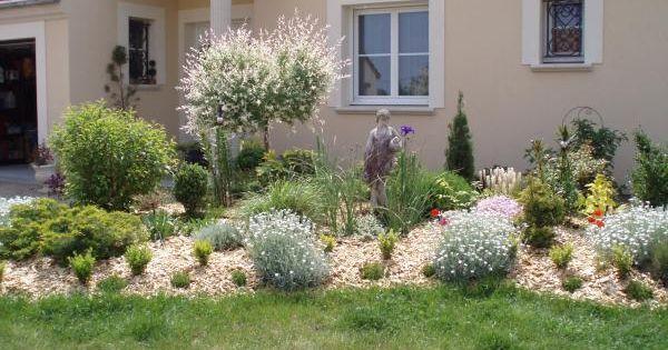 Idees de jardin jardin pinterest paillis id es de for Idee massif jardin