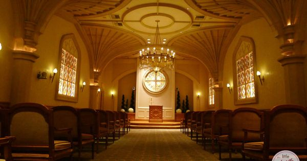 Larger Cathedral Style Wedding Chapel At Excalibur More Info Littlevegaswedding