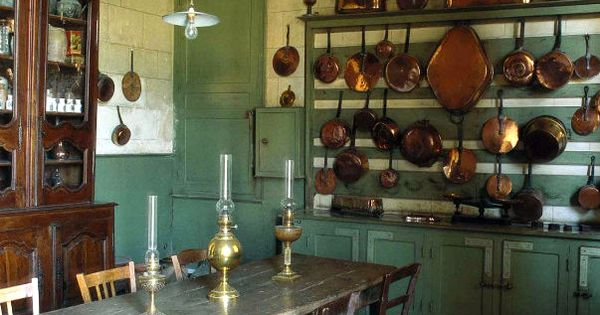 Original kitchen of 17th century french chateau from world of interiors in country kitchens - 17th century french cuisine ...