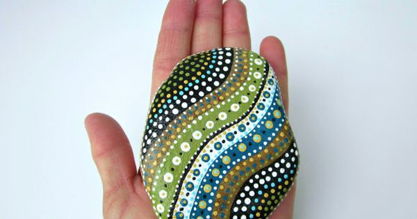 Nice handpainted rock! Try and make some yourself with edding decomarkers 4000/4040.