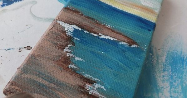 This website has awesome art ideas. DIY ocean painting. Bathroom picture