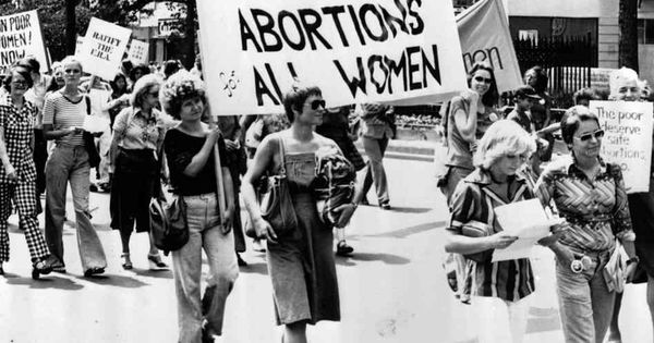 Roe v wade a case that started the controversies surrounding abortion